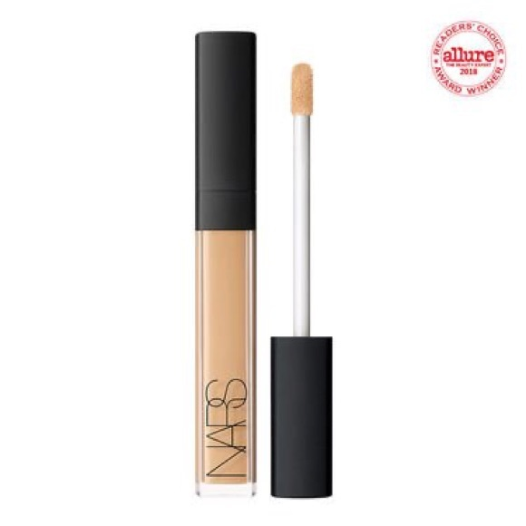 NWT RADIANT CREAMY CONCEALER CANNELLE Light 2.75